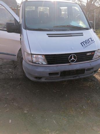 Dezmembrez Mercedes vito 2.2 diezel