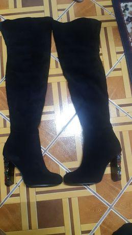 Cizme peste genunchi
