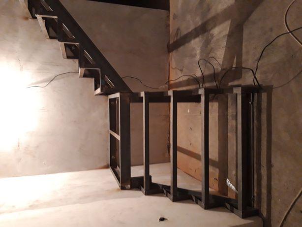 Лестница каркас.