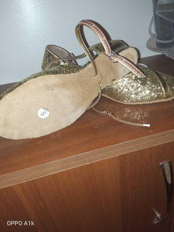 Туфли на танцы