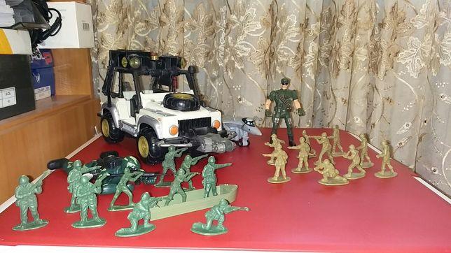 Lot jucarii militare