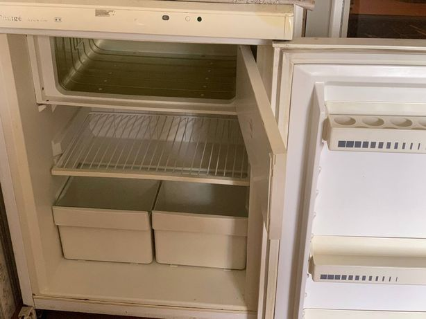 Холодильник б/ у продам