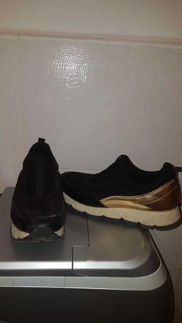 Спортни обувки . много запазени