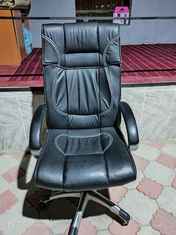 Офисные кресло компьютерное с доставками