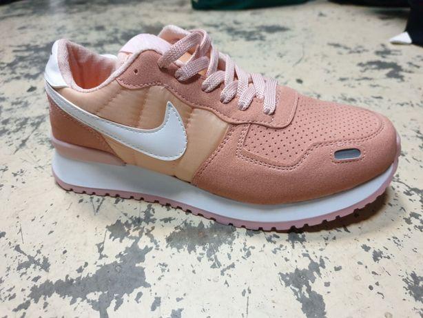 Adidasi Nike dama, marimea 40