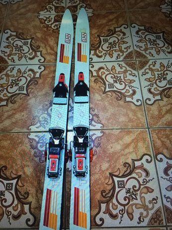 Skiuri  stare bună
