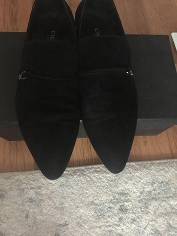 Продам замшевые туфли 40 р