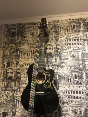 Акустическая гитара с чехлом и ремешком