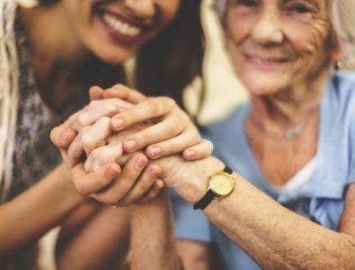 Обгрижване на възрастни и болни по домовете и в болнници.