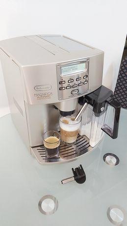 Expresor Espressor Aparat Cafea Delonghi Magnifica Cappuccino