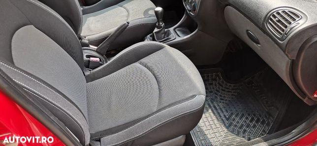 Peugeot 206 Mașina funcționează foarte bine. Merită văzută.