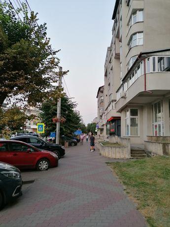 Vând apartament 4 camere 100 mp utili în V uri vis a vis de City Hotel