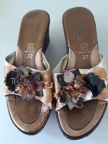 Papuci din piele naturala
