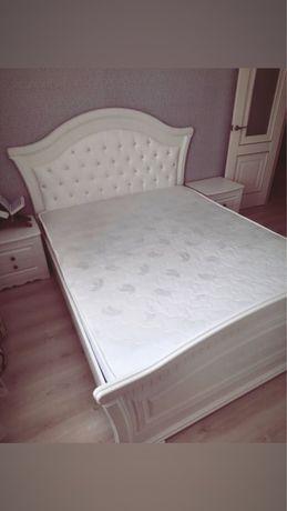Продам кровать с тумбой