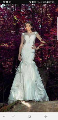 Сватбена рокля на Стоян Радичев