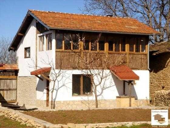 140119 Реновирана двуетажна къща в село Паскалевец