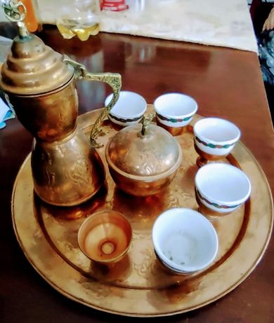 Стар сервиз за кафе
