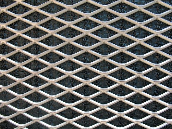 РЕШЕТКИ -- МРЕЖА (ламарина просечена,перфорирана и разтеглена) --метал