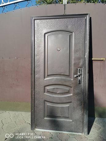 Дверь металл размер 205/95