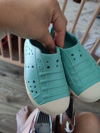 Păpucei gumă/sandalute