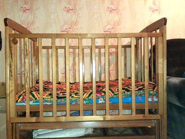 Детская колыбельная кровать