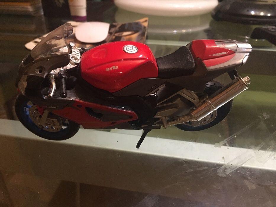 Vand macheta motocicleta Aprilia Bucuresti - imagine 1
