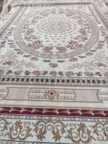 Продам ковры /натуральный и искусственный/