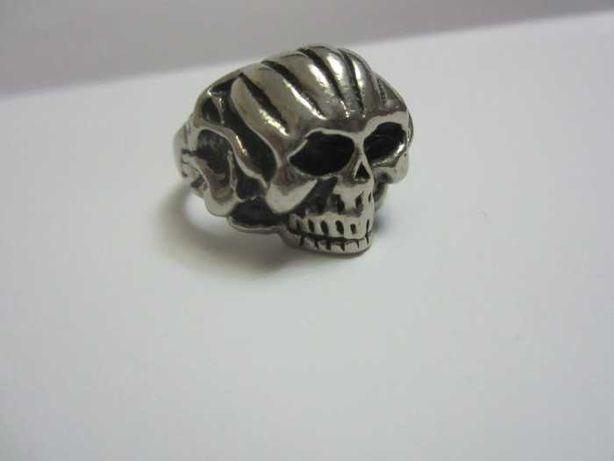 Inel masiv model craniu
