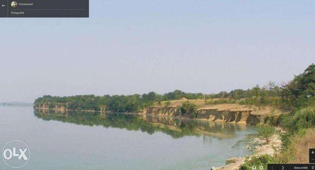 Teren pe malul Lacului Mostistea la 80 km de Bucuresti
