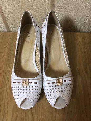 Новая женская обувь, кожаная, пр-во Турция, размер 36-37