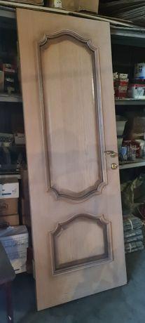 Дверь шпонированная бу 700 полотно в комплекте с обналичниками и короб