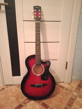 Продам гитара недорого