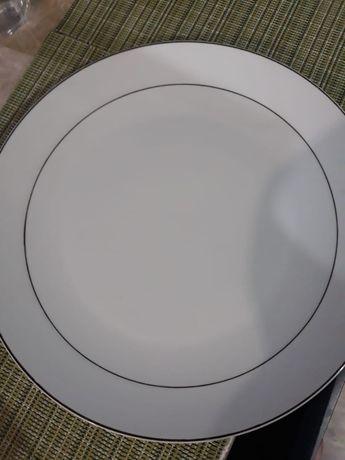 Посуда белая с золотой каймой