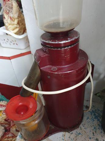 Moară de cafea funcțională