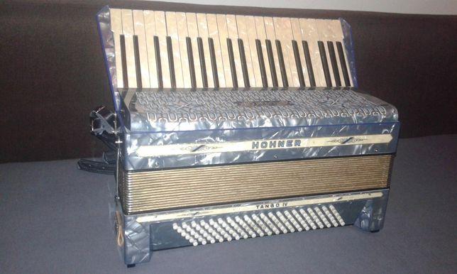 Vand acordeon Hohner Tango IV