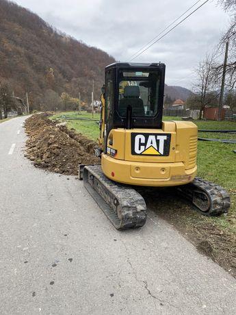 Inchiriez MiniExcavator Bobcat Mini Excavator 5.5 tone