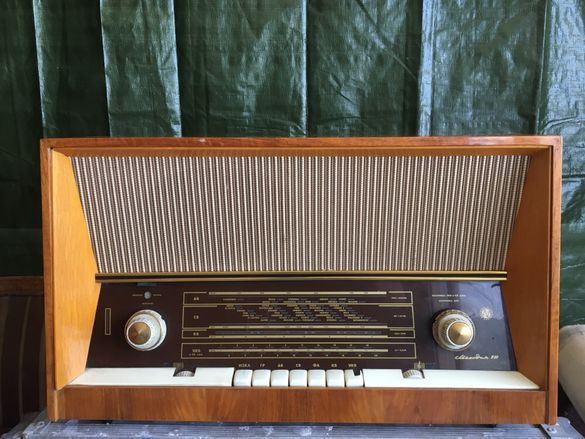 Старо лампово радио Мелодия 10