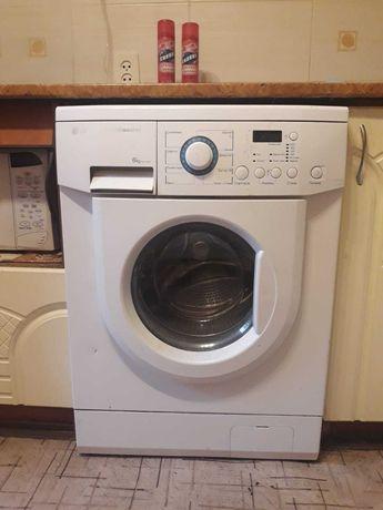 Продаю стиральную машину (автомат)