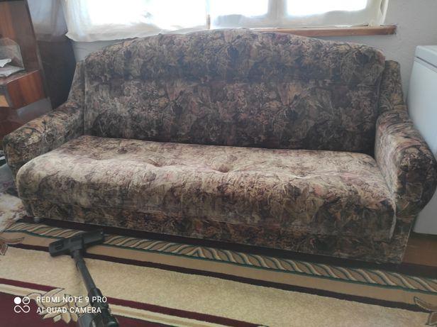 Продается ДИВАН + кресло (2шт)