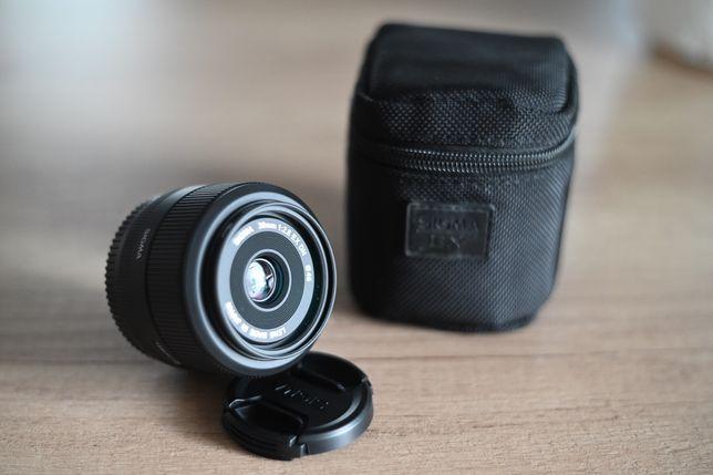 Sigma 30 mm. F2.8 EX DN