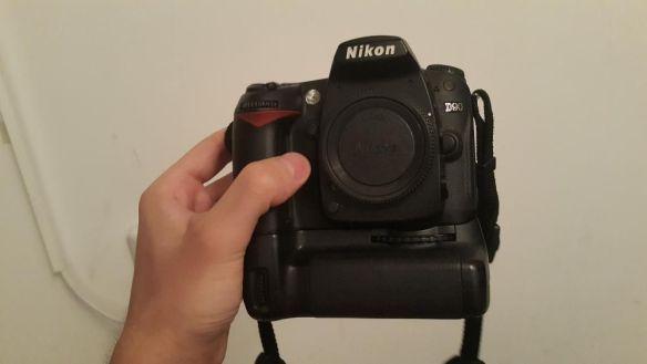 Nikon D90 с грип, на 23000 кадъра, много добре запазен!