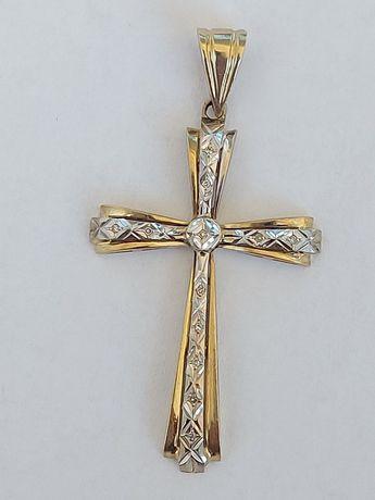 Златен кръст с брилянти.