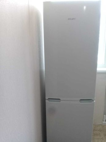 Холодильник Атлант б/у 3 года