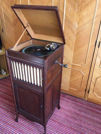 Limania Gramofon patefon retro vechi antic