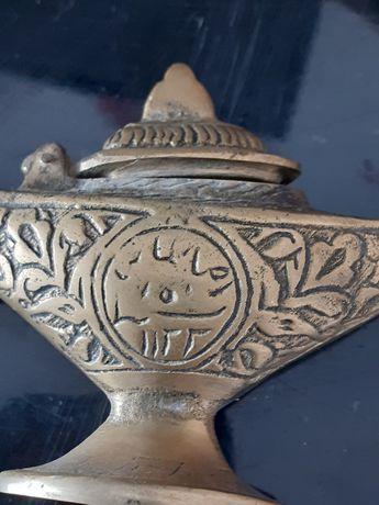 De vanzare două obiecte antice