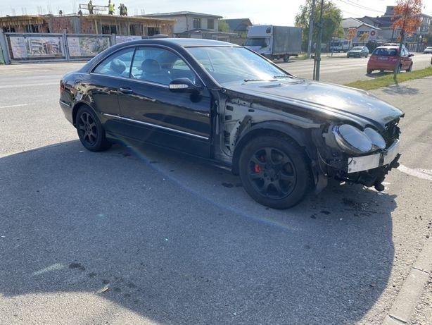 Dezmembrez Mercedes CLK270 w209