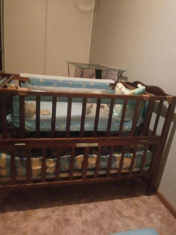 Детская кроватка с люлькой внутри