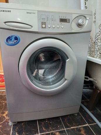 Продаю стиральную машину SAMSUNG