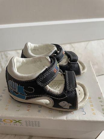 Продам сандали детские Geox в очень хорошем состоянии