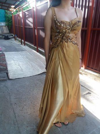 Золотистое вечерние платье, размер 44/46, цена 5000тенге.